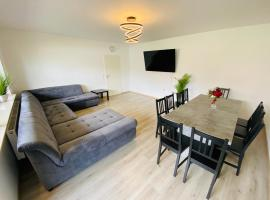 Generous Apartment with own parking Space, Ferienwohnung in Paderborn