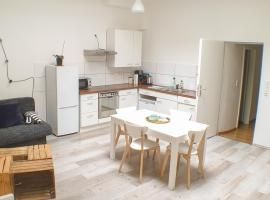 Big Appartment near trade fair!, apartment in Cologne