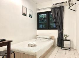 Gfeel Hostel, hotel near Mega Bangna, Bangkok
