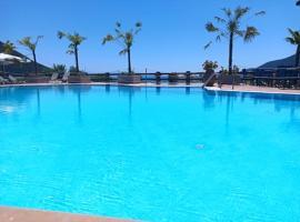 Sunwaves Beach Hotel, hotel in Vasiliki