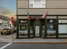 Irish American INN, hotel near Newport Mansions, Newport
