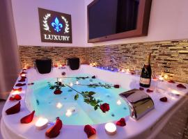 Chroma Italy - Giglio Luxury Apartment, hotel in Rome