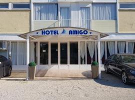 Hotel Amigo, hotel in Zamárdi
