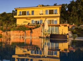 Villa Annika, pet-friendly hotel in Lovran