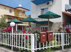 Hotel Anna: Toroni şehrinde bir otel