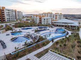 Resort Luxo Premium - Ilhas do Lago, com Ingressos com Valor Exclusivo Nos Clubes Lagoa Termas, WaterPark e Náutico Praia Clube, hotel near Náutico Praia Clube, Caldas Novas