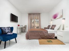 Studio Apartman Nega 3, budget hotel in Rovinj