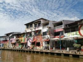 Riverside Guesthouse, homestay in Malacca