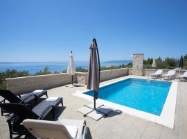 Villa Oaza, villa in Makarska