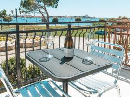 Villa Umag Seafront, Bed & Breakfast in Umag