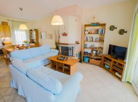 Sea Side Maisonette, hotel with parking in Maronia