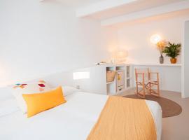 971 Hotel Con Encanto, hotel en Ciutadella