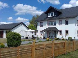 Pension Kölzer, B&B in Mörsdorf
