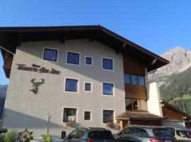 Haus Tauern Am See, hotel with pools in Heiterwang