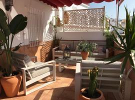 Ático luminoso centro Marbella, hotel dicht bij: Teatro Ciudad de Marbella, Marbella