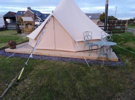 Stargazer Bell Tent - Pen Cefn Farm, Abergele, Conwy, hotel near Gwrych Castle, Abergele
