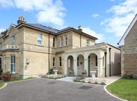 Tyndall Villa Boutique B&B, budget hotel in Bath