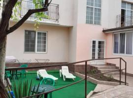 Guest House u Morya, hotel in Anapa