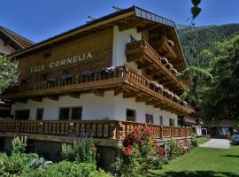 Villa Cornelia, Bed & Breakfast in Sölden