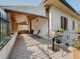 Traditional Apartment in Monte Isola near Lake Beach, hotel in Monte Isola