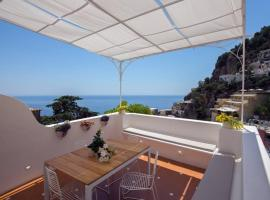 CASA BAKER luxury apartment, holiday home in Positano