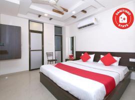 Vaccinated Staff- OYO 14165 Hotel Blue Diamond, hotel in Jabalpur