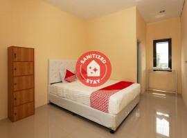 OYO 588 Richmond Residence, hotel in Cirebon
