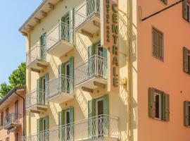 Hotel Centrale, hotel in Garda