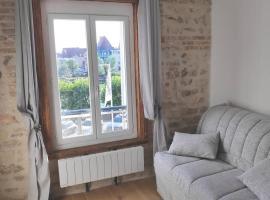 Studio sur le port de Trouville-sur-Mer, apartment in Trouville-sur-Mer