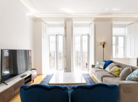 Lisbon luxury retreat! 2 suites, balcony & views!!, luxury hotel in Lisbon