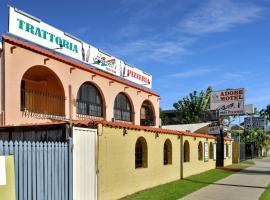 Adobe Motel, motel in Cairns