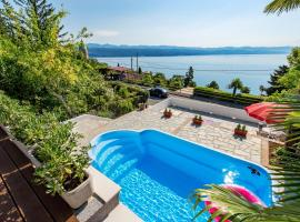 Apartments Vista Bay, hotel with jacuzzis in Opatija