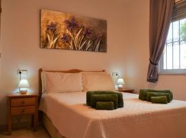 Ground Floor Apartment - Opposite pool C, hotel in Playas de Orihuela
