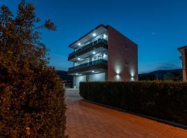 Villa Dalmata, self catering accommodation in Trogir