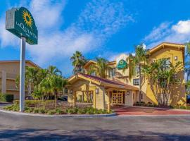 La Quinta Inn by Wyndham Tampa Bay Pinellas Park Clearwater, hotel near Mazzaros Italian Market, Pinellas Park
