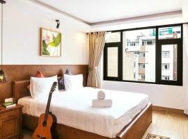 Happy Time Hotel & Apartment, hotel in Danang