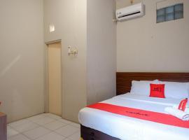 RedDoorz near Stasiun Tawang Semarang, hotel near Semawis Market, Semarang
