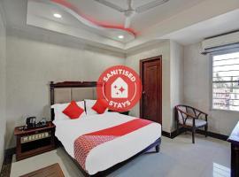 OYO 30562 Ni Ambaari Elite, hotel near Chamundi Vihar Stadium, Narasimharaja Puram