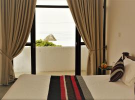 Honeybees Cafe & Villa, hotel in Weligama