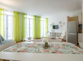Hogar Vera Apartments&Bikes, hotel near Valencia Botanical Gardens, Valencia