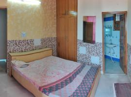 Independent 1 Room with Balcony and Open Terrace, apartment in Chandīgarh