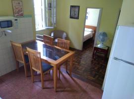 Apartamento no Centro de Porto Alegre, self catering accommodation in Porto Alegre