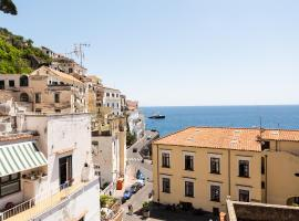 LUIMAR Holiday House, apartment in Amalfi