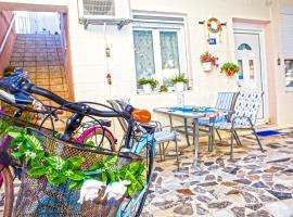 Rethimno Colour Studio with free bikes, pet-friendly hotel in Rethymno Town