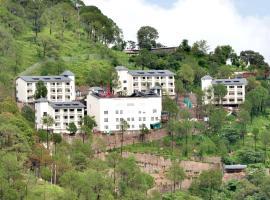 Ramada by Wyndham Kasauli, hotel in Kasauli