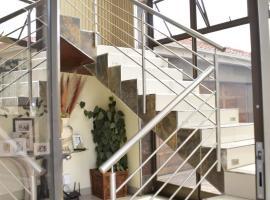 Lalela House, hotel near Gold Reef City, Johannesburg