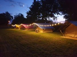 FarmGlamping LODGE, luxury tent in Bocholt