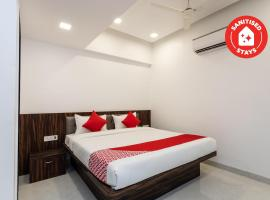 Capital O 26167 Ten Eleven Grand, hotel in Indore