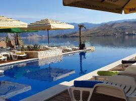 Hotel Plaza, beach hotel in Pag