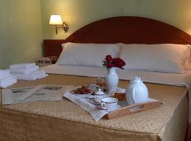 Hotel Squarciarelli, hotell i Grottaferrata